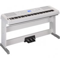 Yamaha DGX660WH 88 Key Digital Piano With LP7A Pedal Board White